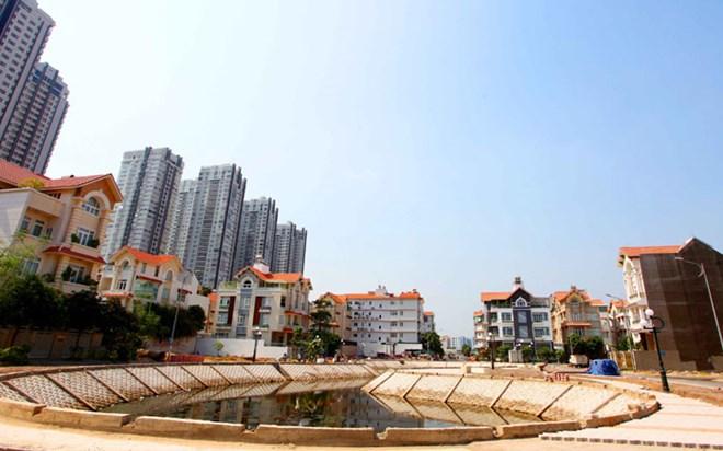 Thị trường căn hộ chững lại do nguồn cung dồi dào
